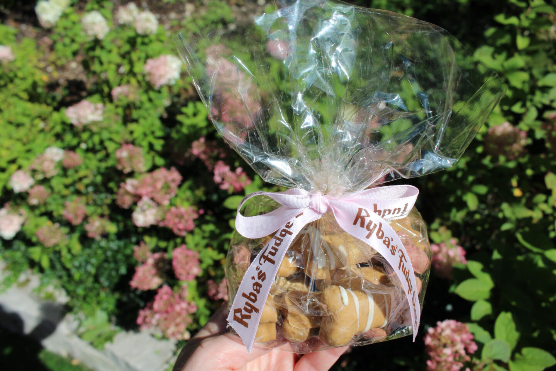 Ryba's Fudge Shops Mackinac Island chocolate