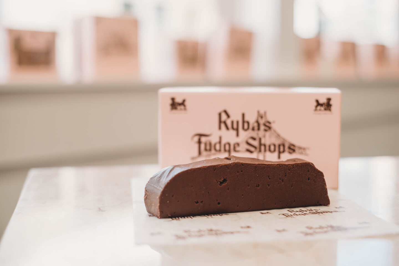 Ryba's Fudge Shop - Single Slice of Chocolate fudge